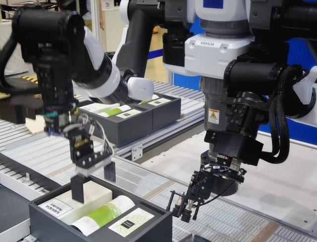 Der er flere gode grunde til investere i industrirobotter på arbejdspladsen
